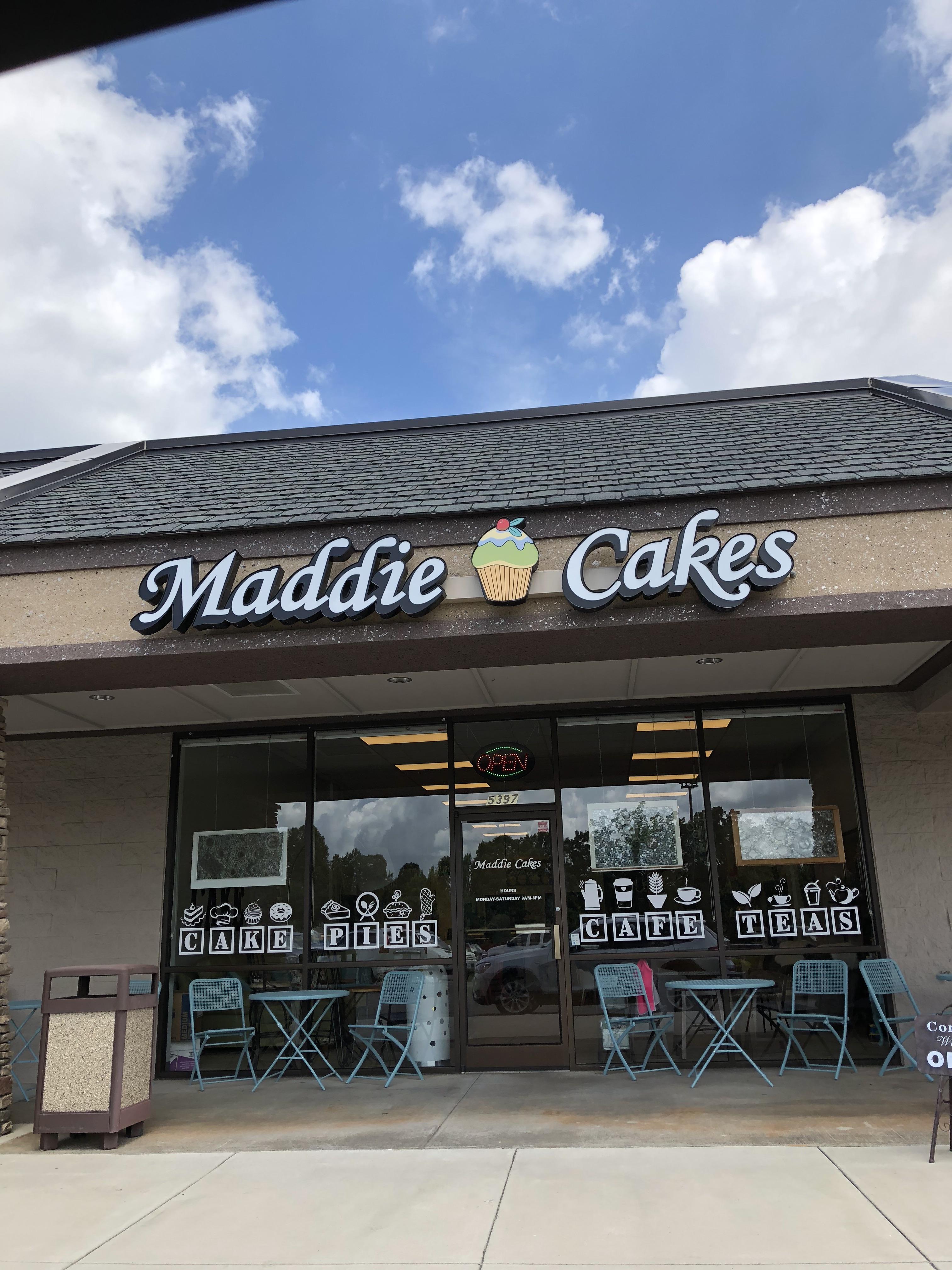 Maddie's Cakes Winston Mommy.jpeg